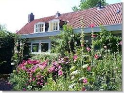 http://deheksenketel.info/wp-content/uploads/2014/12/Huis-achter.jpg